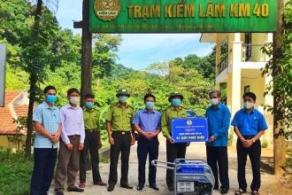 Liên đoàn Lao động tỉnh Quảng Bình thăm và tặng quà nhân kỷ niệm Ngày thành lập Công đoàn Việt Nam